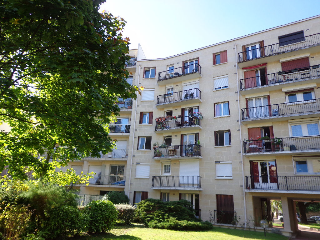 Appartement Montmorency 1 pièce(s) 31,17 m2
